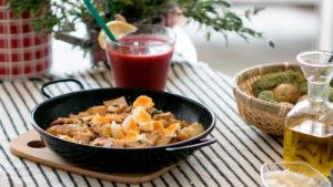 Cazuela de patatas con Pechuga de Pavo Sajonia de Un Momento y Listo y huevos de codorniz escalfados
