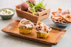 Mini tortillas de patata y puerro, con Pavo Trufado