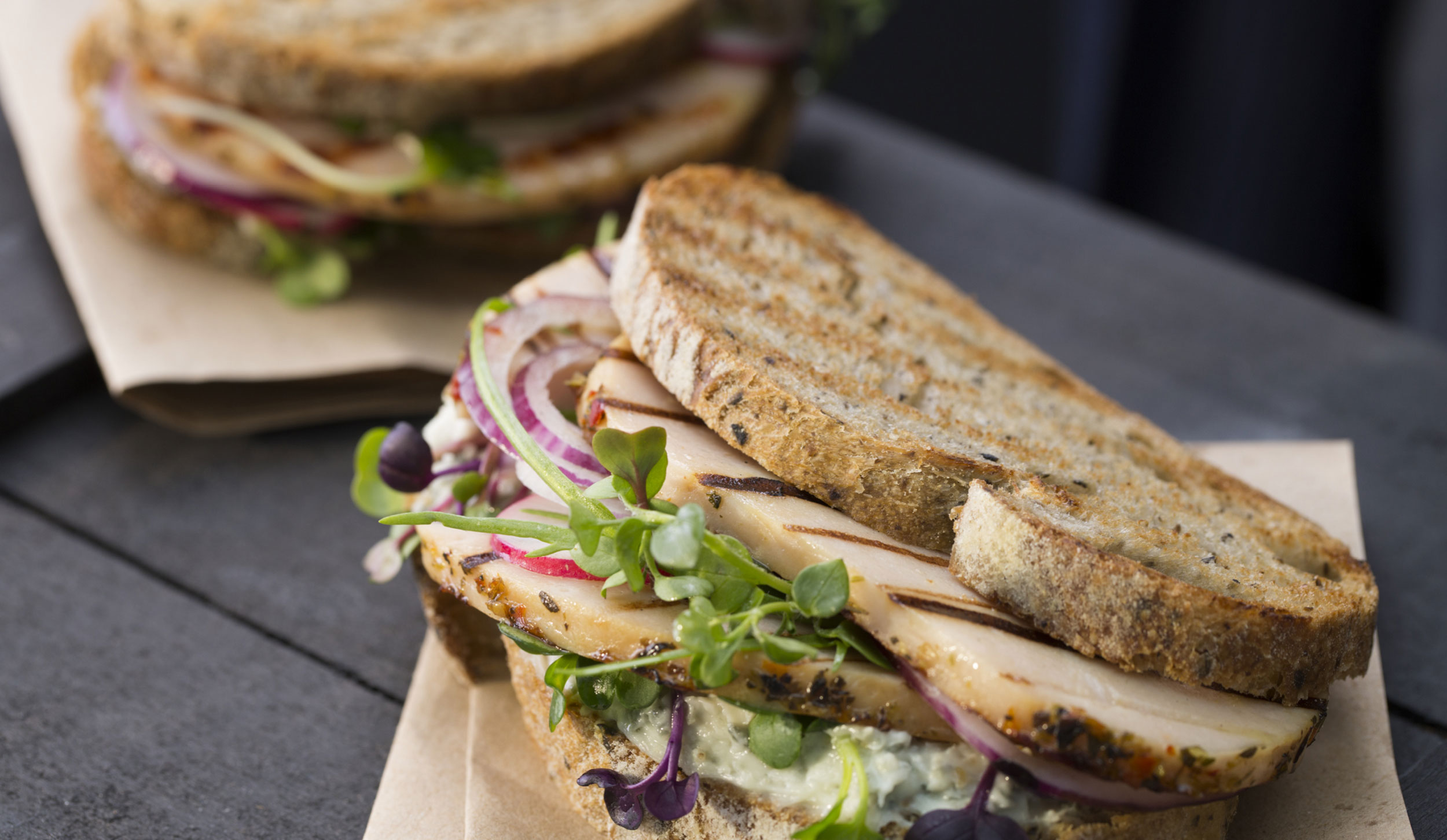Sándwich de Pechuga de Pavo a las Finas Hierbas de Un Momento y Listo