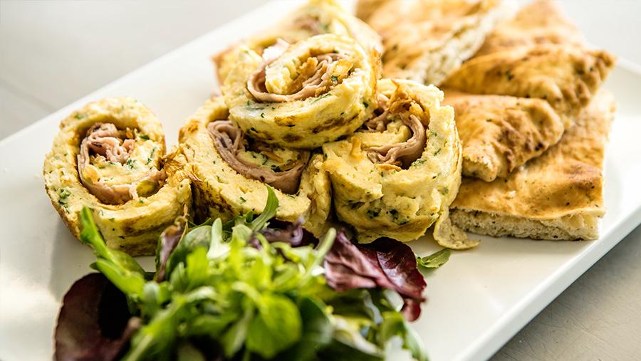 Tortilla rellena de Pavo Trufado y cebolla crujiente
