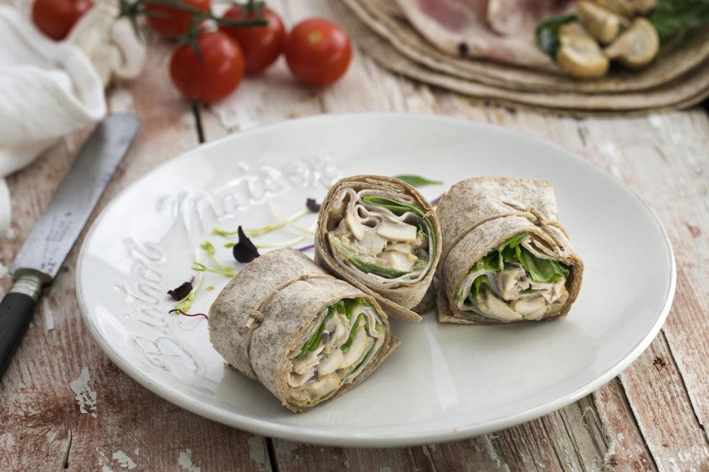 Wrap integral relleno con Pavo Trufado, espinacas y crema con champiñones
